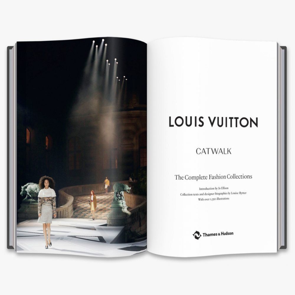 Louis Vuitton Catwalk by Jo Ellison, Louise Rytter - Mamic 1970