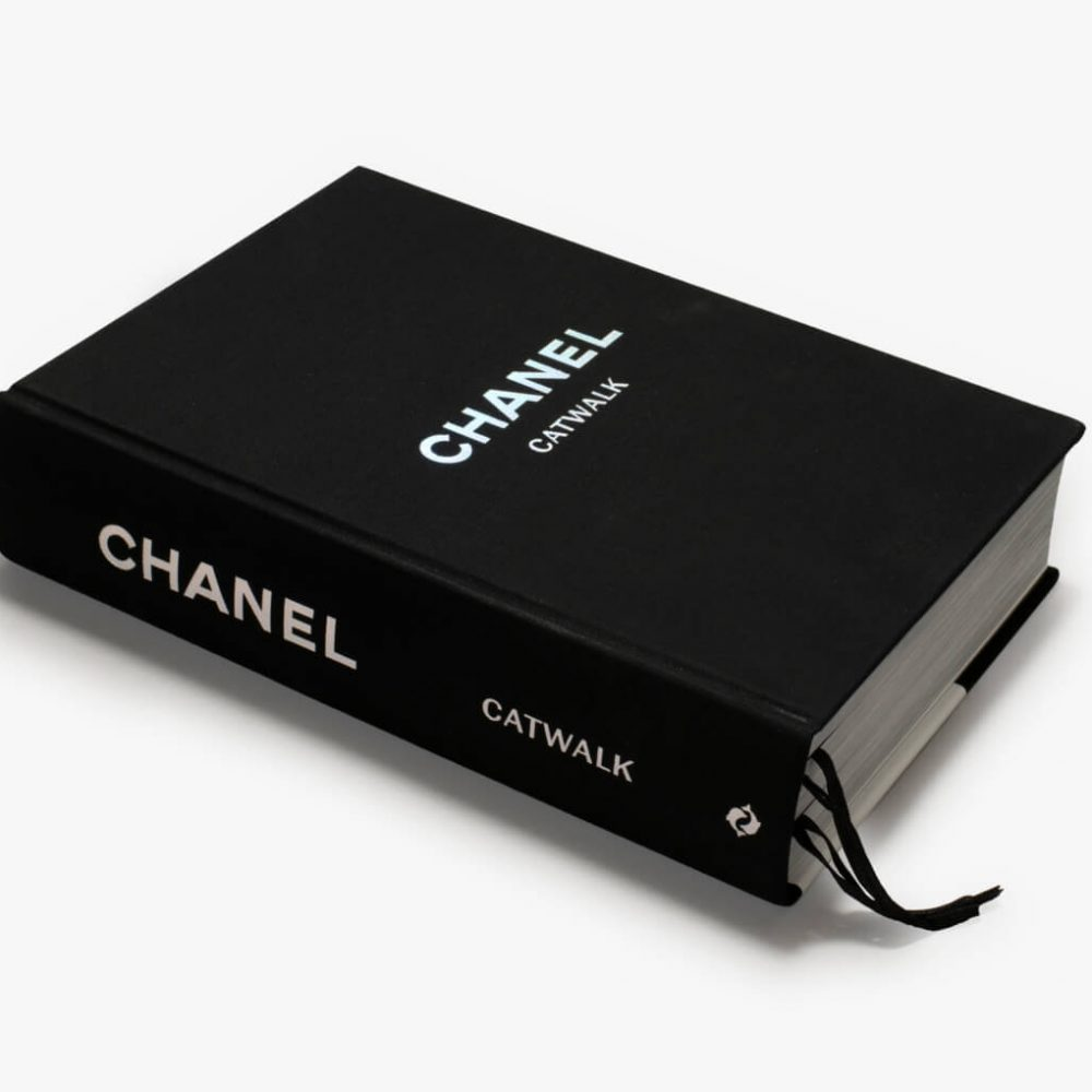 Chanel Catwalk Patrick Mauries Adelia Sabatini Thames and Hudson - Mamic 1970
